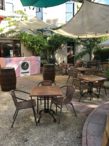 Terrasse restaurant Lou Cantoun à Cestayrols, Tarn