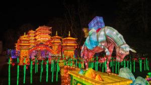 Festival des Lanternes de Gaillac, cheval et temple lumineux
