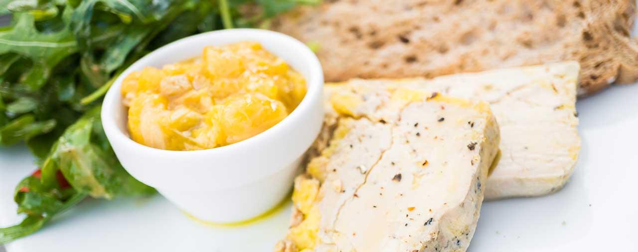 Foie gras et pain maison façon Lou Cantoun restaurant de Bernard Gisquet à Cestayrols, Albi, Gaillac, Tarn