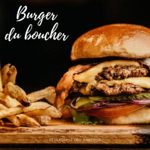 Un bon burger avec un steak haché du boucher et ses frites maison au restaurant Lou Cantoun de Bernard Gisquet à Cestayrols