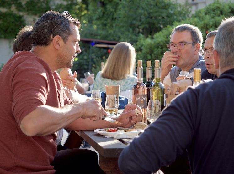 À table avec les bons produits cuisinées par Bernard Gisquet pour les apéros concerts à Cestayrols